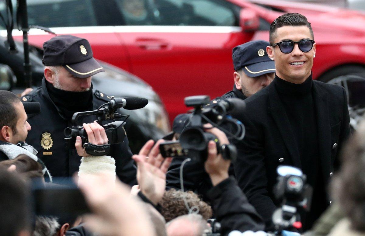 Garaj talebi reddedilince Ronaldo mahkemeye ön kapıdan girdi 1