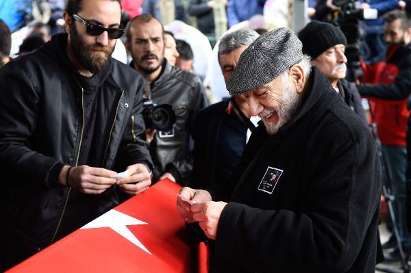 Ayşen Gruda son yolculuğuna uğurlandı / Cenazeden fotoğraflar 1