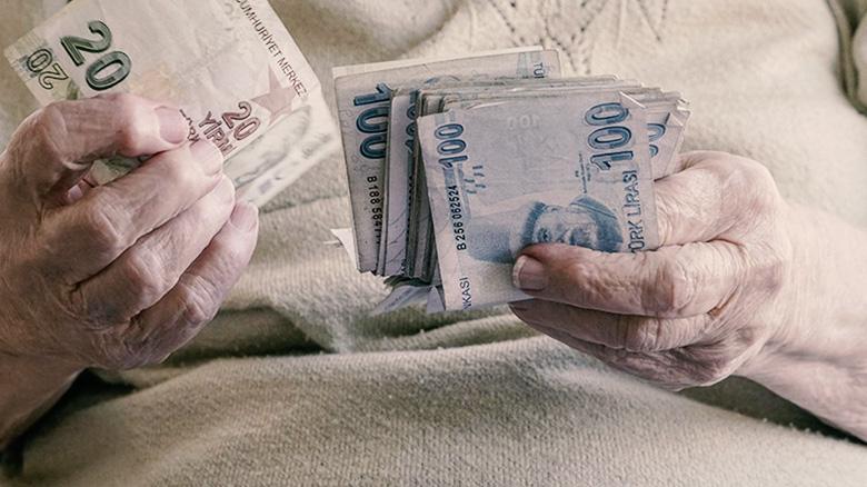 Emekli maaşlarında kesinti yapıldı!