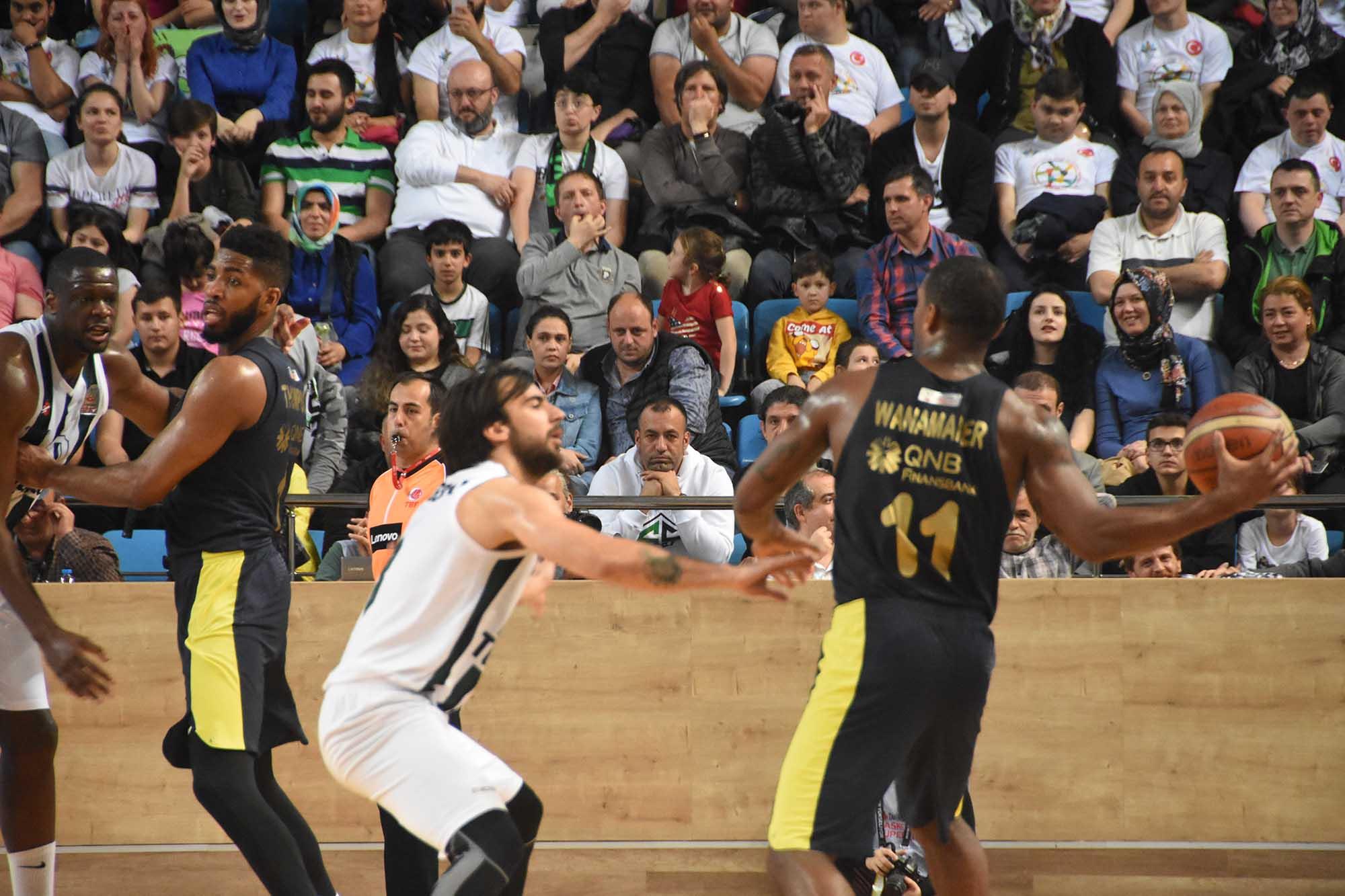 Sakarya BŞB Basketbol - Fenerbahçe Doğuş: 79-83