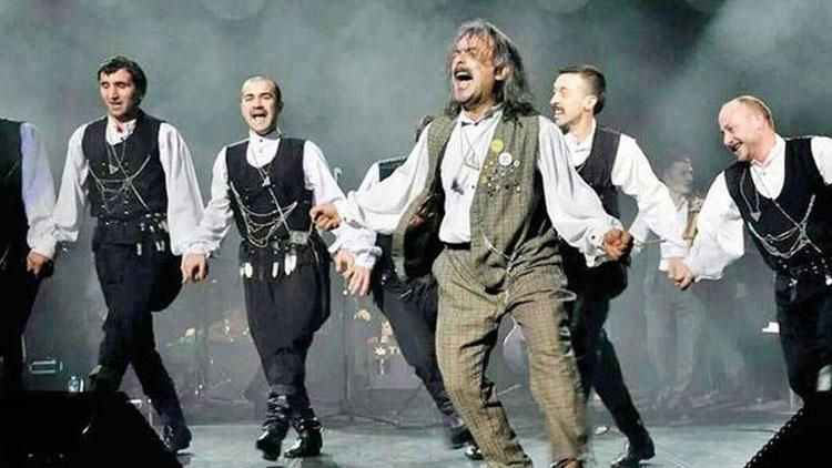 Ünlü horon üstadı Şenol Şentürk hayatını kaybetti