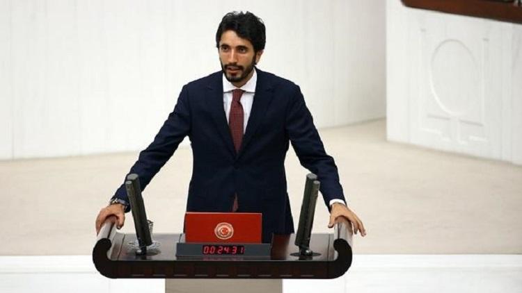 Saadet Partili Karaduman'dan 'türban' paylaşımı