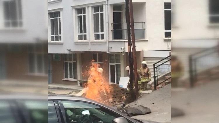 Kazı çalışmaları sırasında doğalgaz borusu patladı