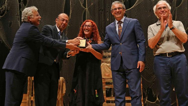 """Karşıyaka'nın ilk """"Edebiyat Ödülü"""" sahibini buldu"""