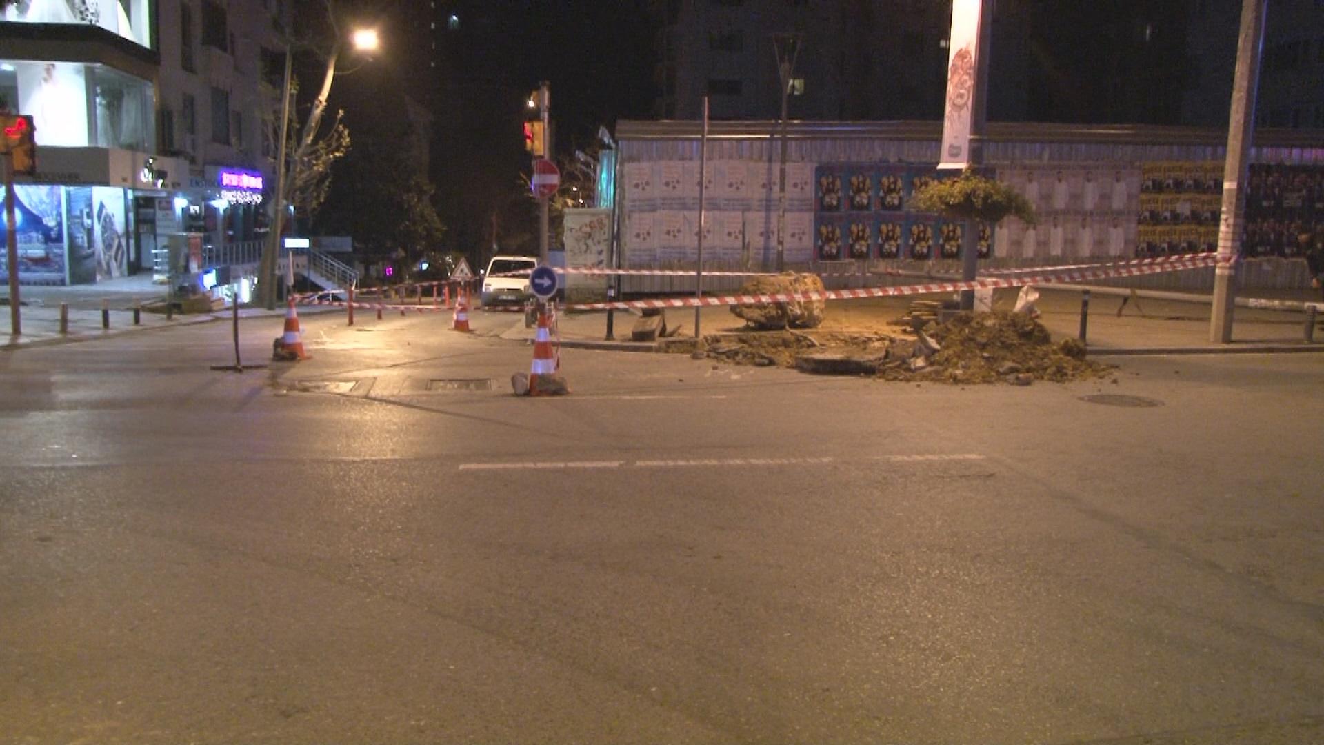Bağdat Caddesi'nde doğalgaz kaçağı: cadde trafiğe kapatıldı