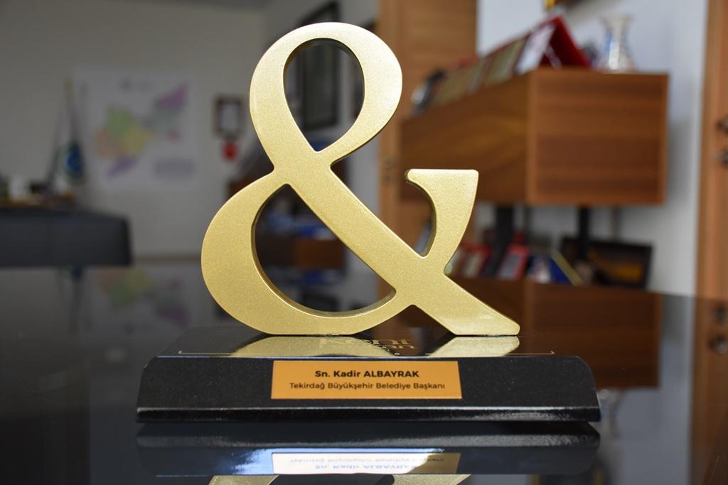 Tekirdağ Büyükşehir Belediyesi başarılarını 'Kent & Başkan Ödülü' ve Marmara birinciliğiyle taçlandırdı