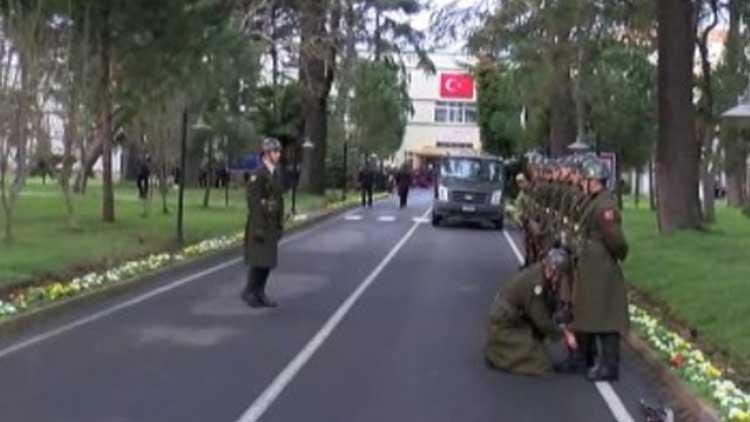Helikopter kazasında şehit olan askerler için tören düzenleniyor