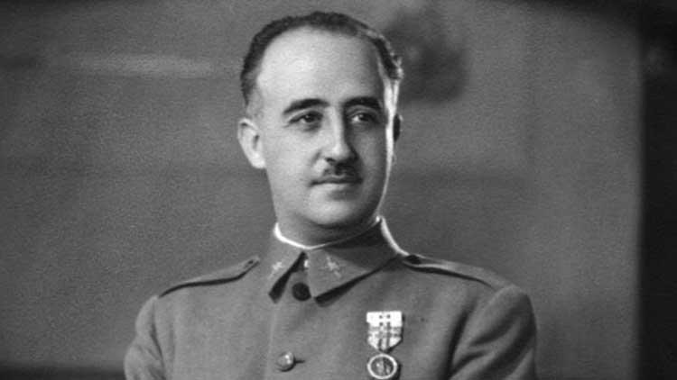 Diktatör Franco'nun mezarı için ailesine iki hafta süre