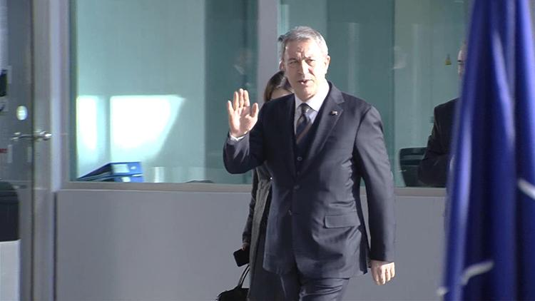 Bakan Akar, Savunma Bakanları Toplantısı için NATO Karargahı'nda