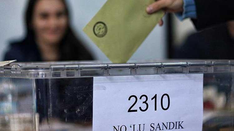 Kamuoyu yoklamalarının ardından ittifakların aday listelerinde değişiklik