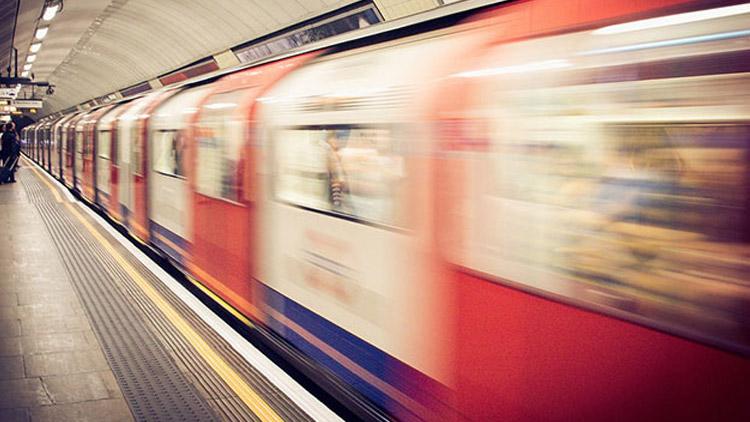 Paris metrosunda 'asitli saldırı' paniği