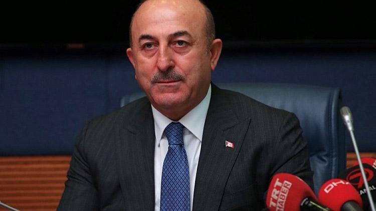Çavuşoğlu, Türkiye'nin en az yarısını hain ilan etti!