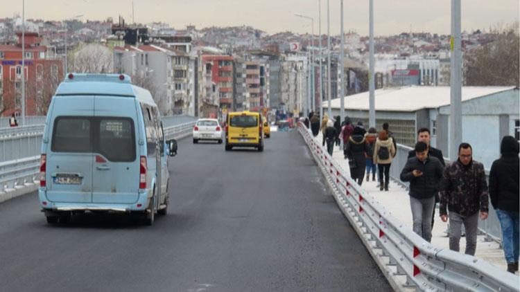 Haydarpaşa Köprüsü'nün bir bölümü trafiğe açıldı
