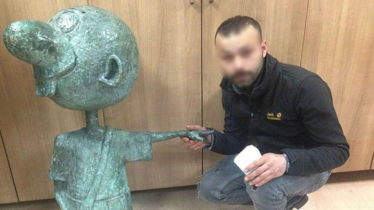 Avanak Avni heykelini çalan 'yalnız hırsız' tahliye edildi!