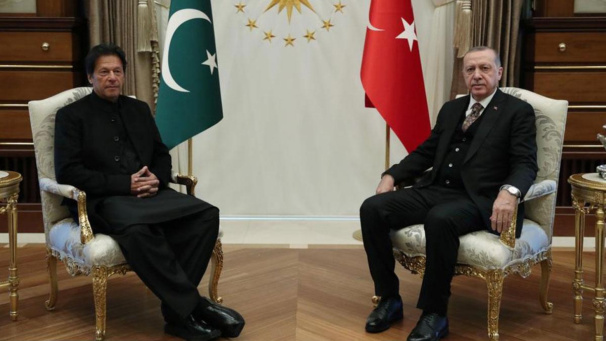 Erdoğan Hindistan'la krizdeki Pakistan'ın başbakanı ile görüştü