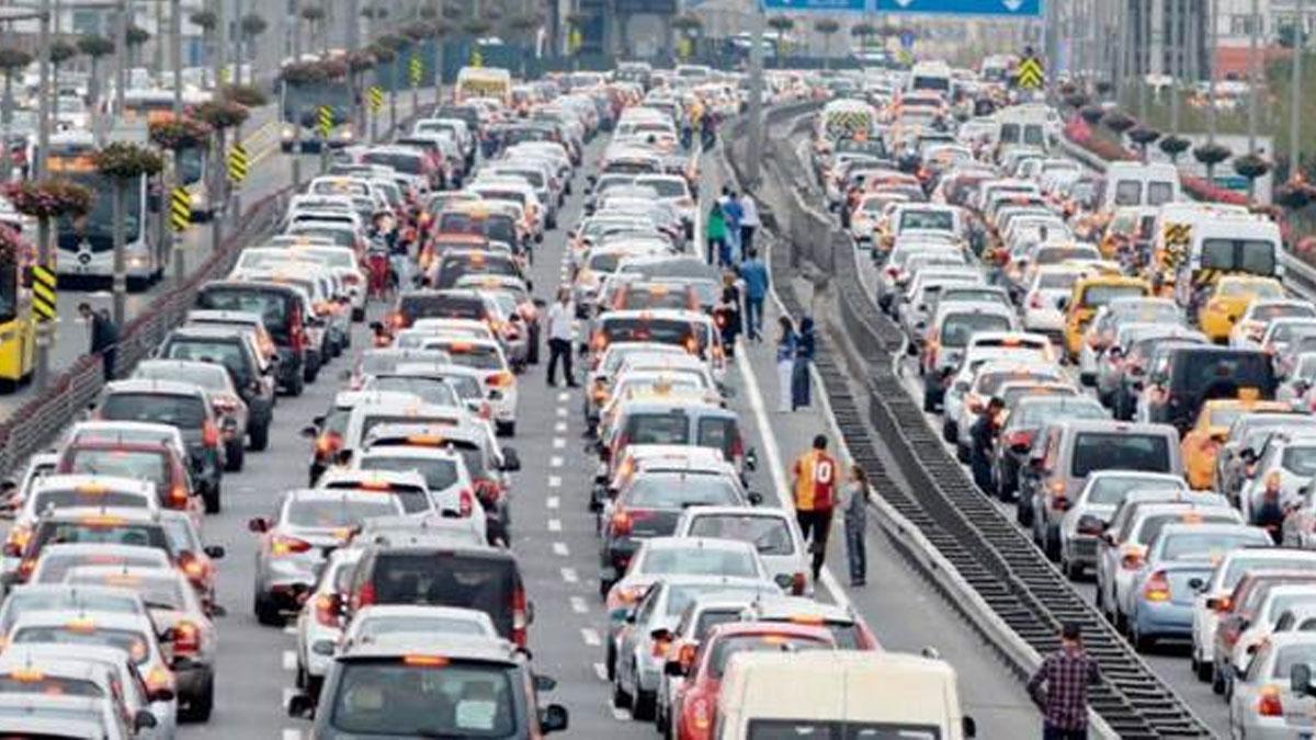 Yola çıkacaklar dikkat! Trafikte son durum...