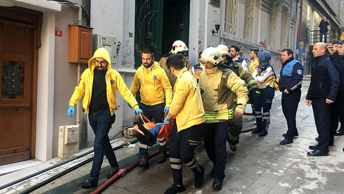 Beyoğlu'nda 4 kişinin öldüğü yangında iki tutuklama!