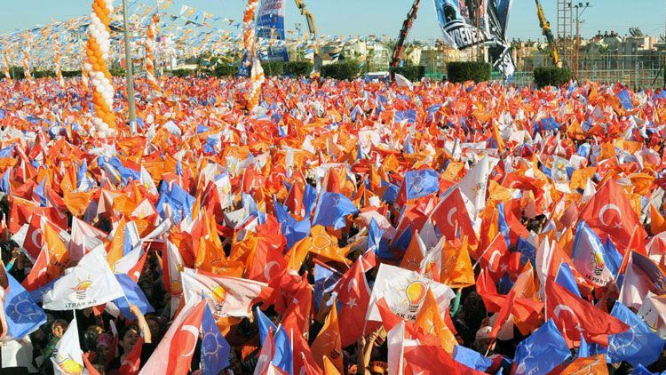 Alanları dolduramayan AKP'den pes dedirten yöntem: Okullara gönderildi