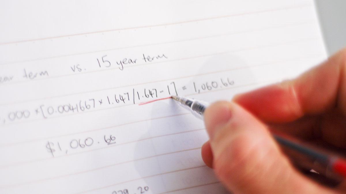 Matematikten 95 üstü puan alamayan çocuğunu önce dövdü sonra terk etti!