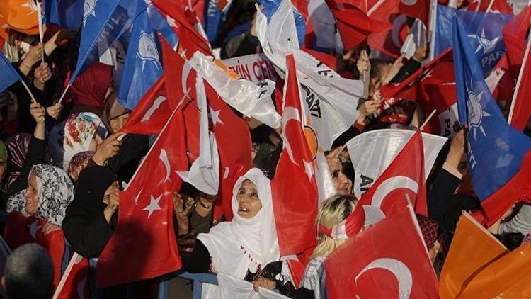 AKP'nin oyları eriyor, sorumlusu ben ve arkadaşlarım değil' deyip istifa etti