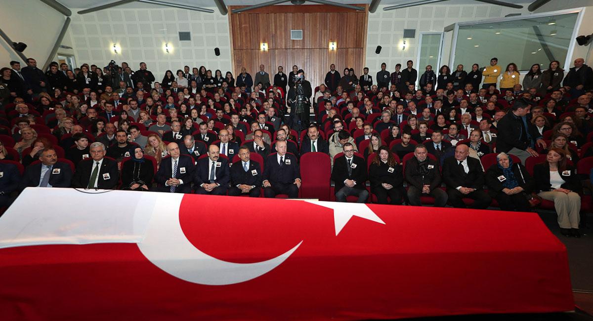 Prof. Dr. Beril Dedeoğlu son yolculuğuna uğurlanıyor