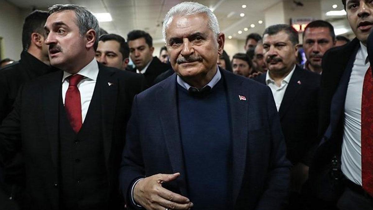 Davutoğlu'na yakın isim: AKP 31 Mart'ta Osmanlı tokadı yedi