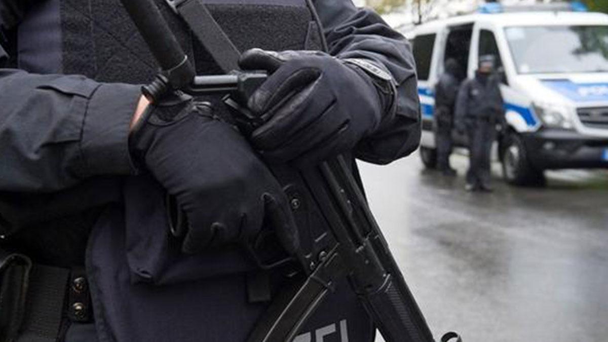 Almanya'da Ensar Vakfı'na polis baskını