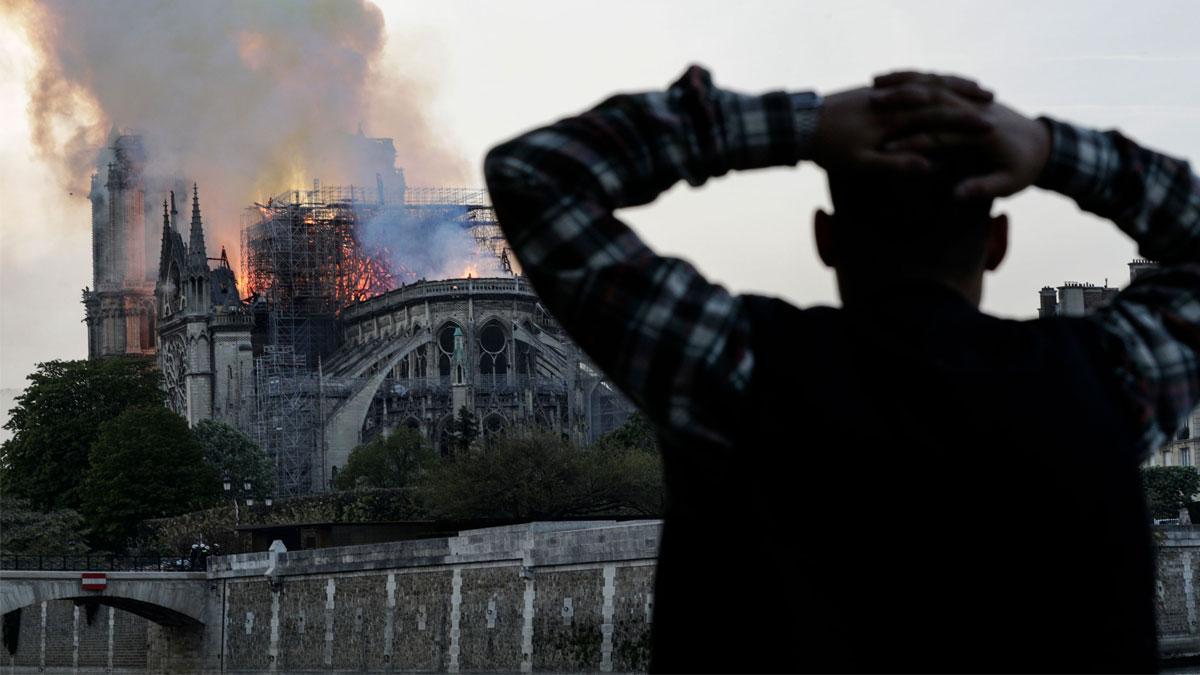 Macron'dan Papa'ya 'Notre Dame' daveti