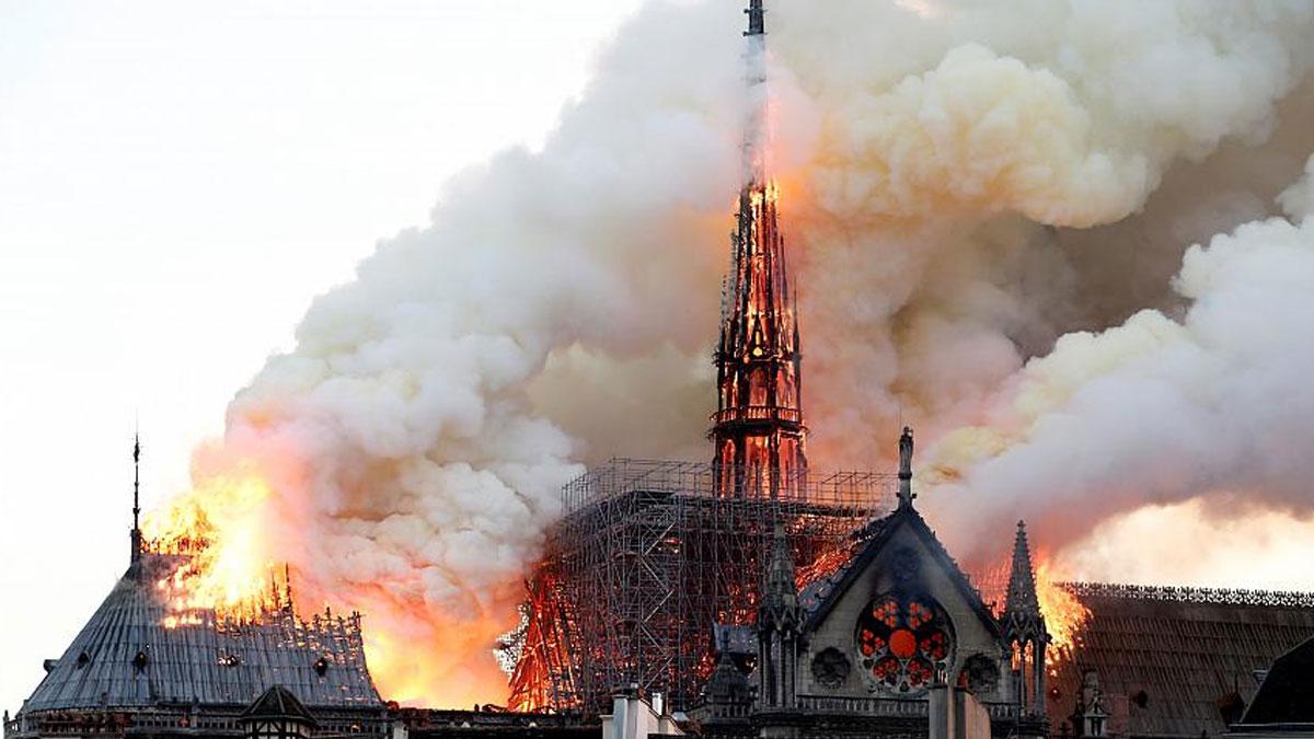 Notre Dame Katedrali'ne bir destek de UNESCO'dan