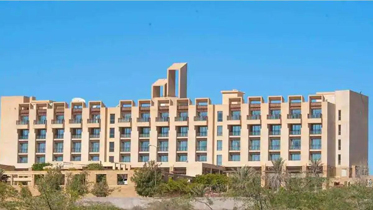Pakistan'da beş yıldızlı otele silahlı saldırı
