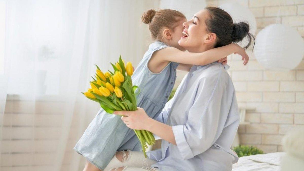Anneler Günü mesajları! En güzel Anneler Günü şiirleri