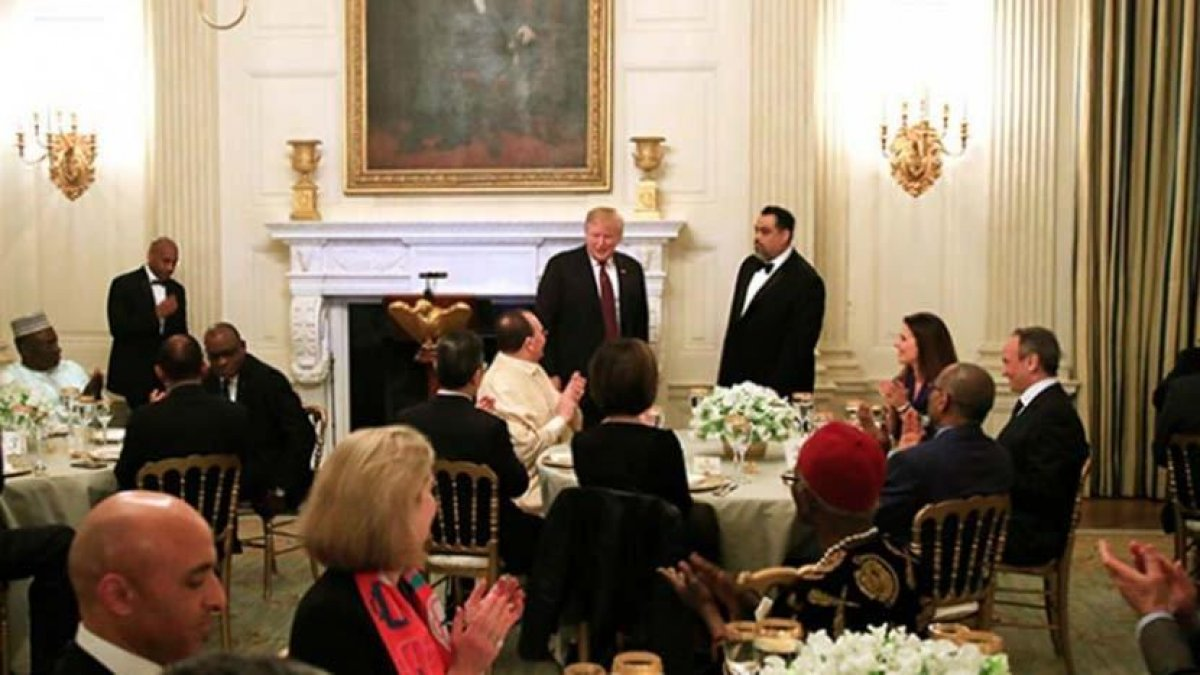 Donald Trump'tan Beyaz Saray'da iftar yemeği