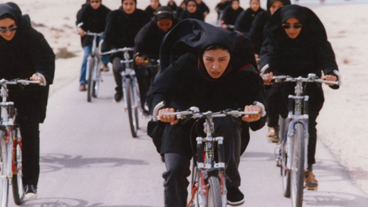 İran'da kadınların umumi alanlarda bisiklet kullanması yasaklandı