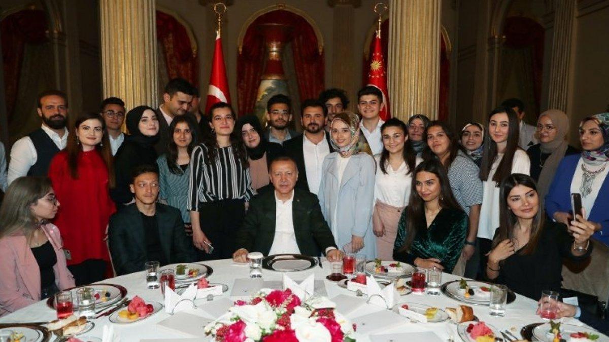 Gençlerden Erdoğan'a seçim sorusu: İstanbul'u kazansaydınız itiraz edecek miydiniz?