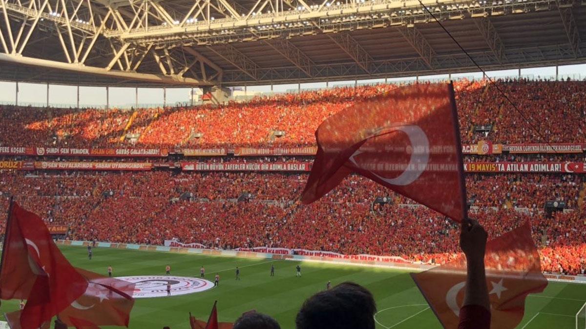 İmamoğlu'ndan Galatasaray'a tebrik mesajı!