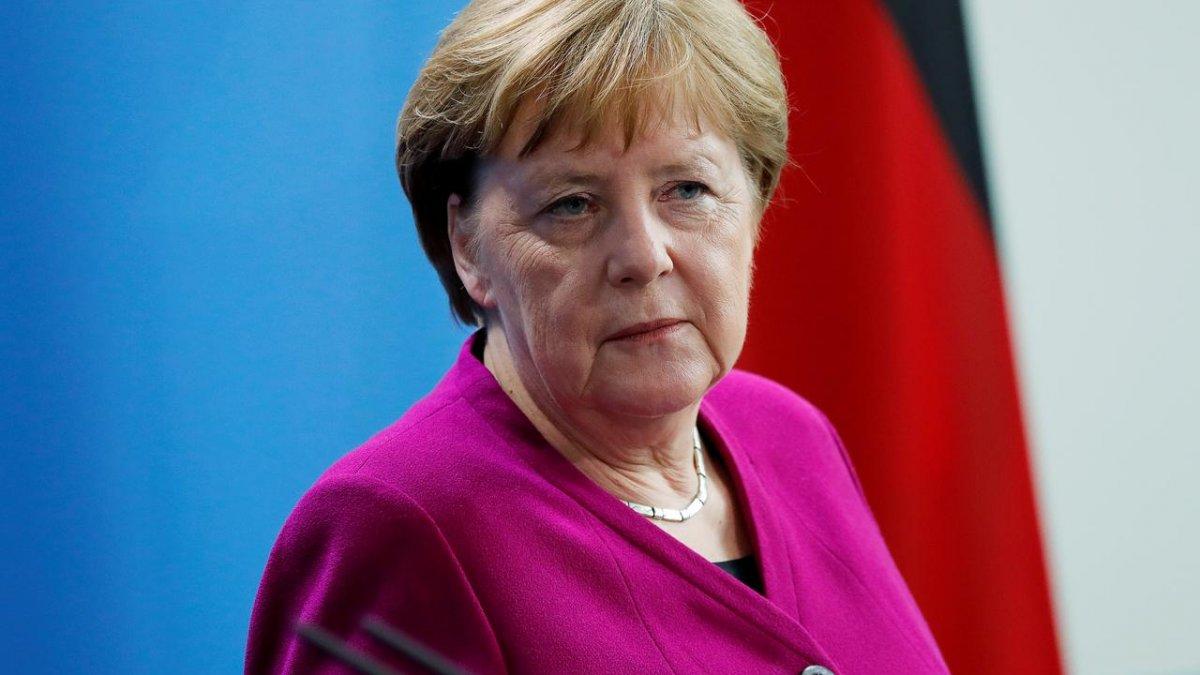 Merkel: Irak'ın toprak bütünlüğünden yanayım