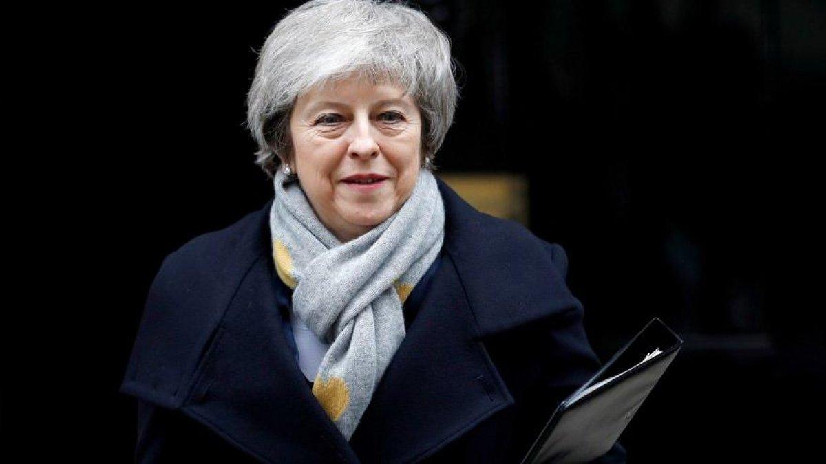 İngiltere'den şok iddia! Theresa May istafa mı edecek?