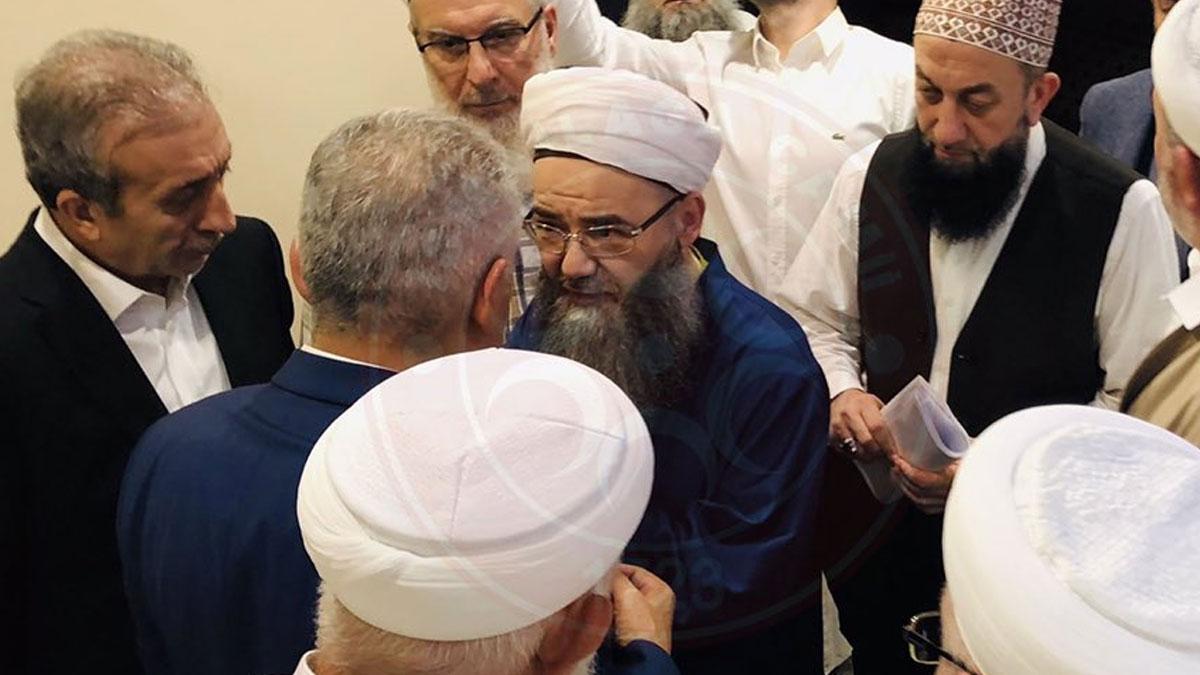 Binali Yıldırım'ın İsmailağa Cemaati ziyaretinden dikkat çeken Cübbeli Ahmet detayı