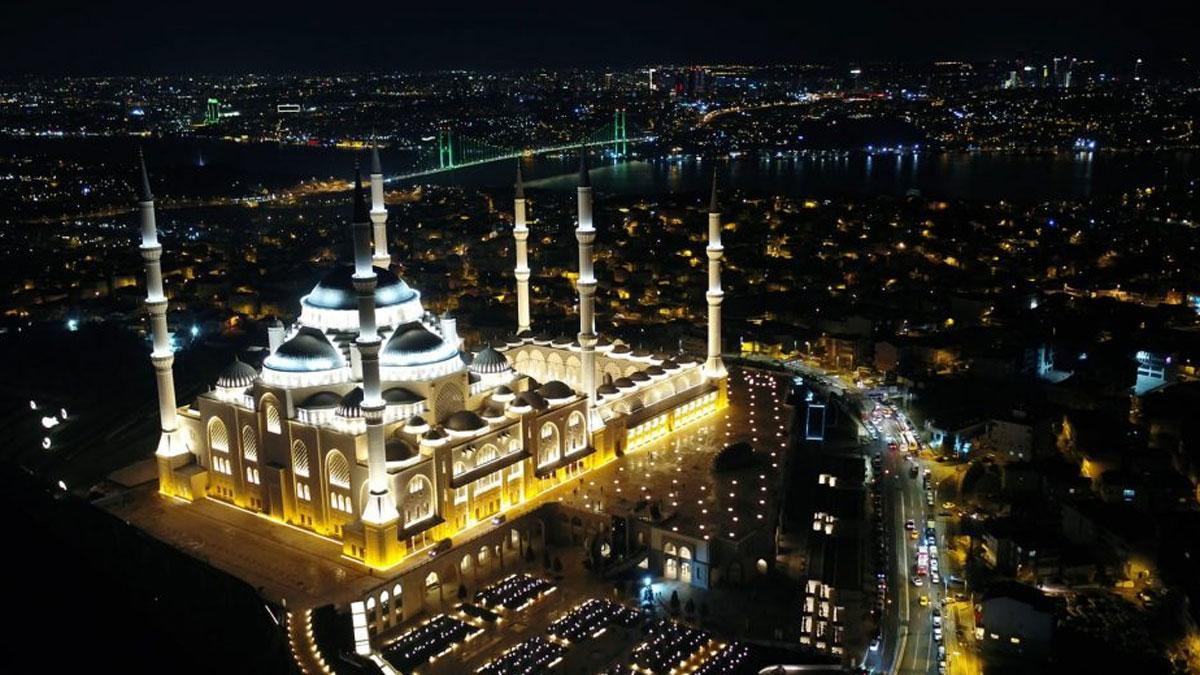 Çamlıca Camii'nde düzenlenen sabah namazına gelmeyenlerin savunması alındı