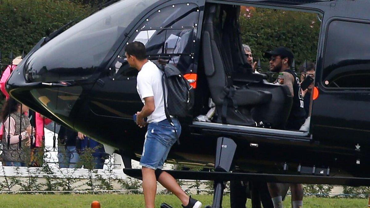 Dünyaca ünlü futbolcu idmana helikopterle geldi!