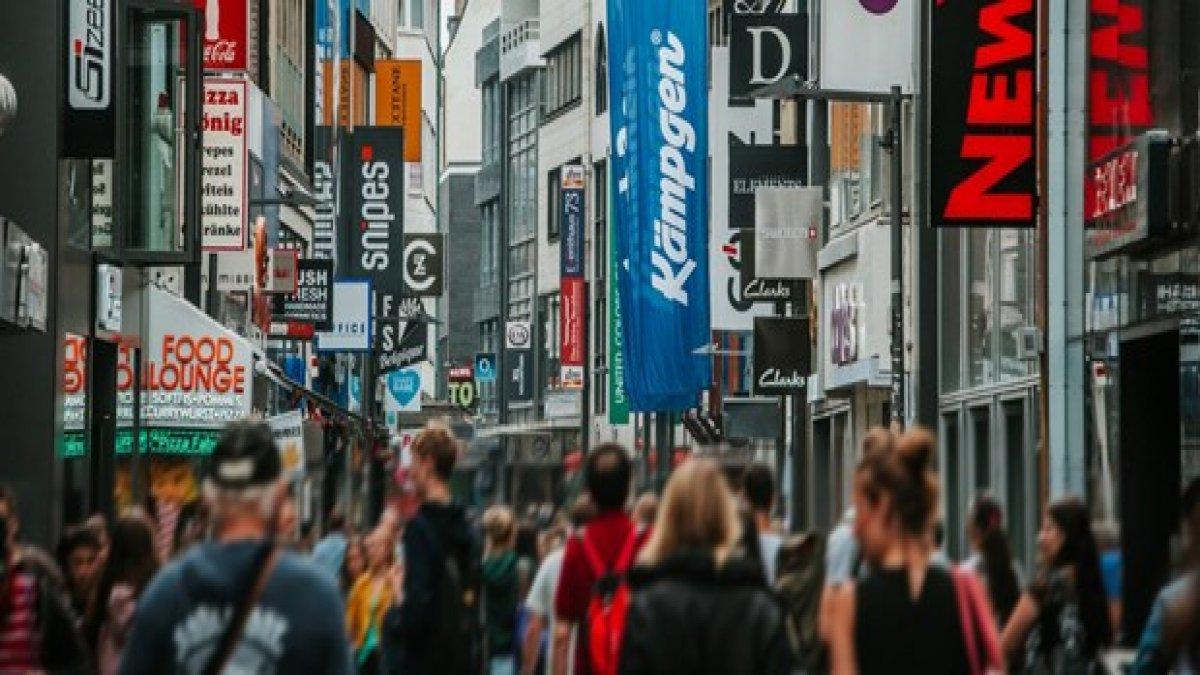 Köln'de yaşayan Türklere el ilanlı tehdit