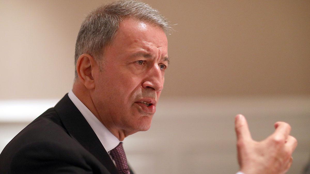 Hulusi Akar'dan siyasi partilere 'yeni askerlik kanunu' ziyareti