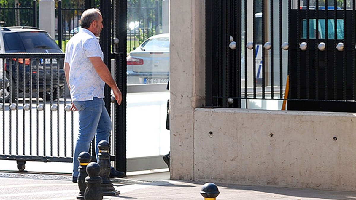 Pendik'te hamile kadının aracına saldıran baklavacı patronu, ifade vermeye geldi