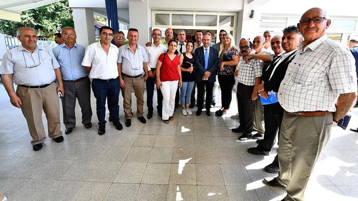 İzmir Büyükşehir Belediyesi'nden muhtarlara ücretsiz ulaşım