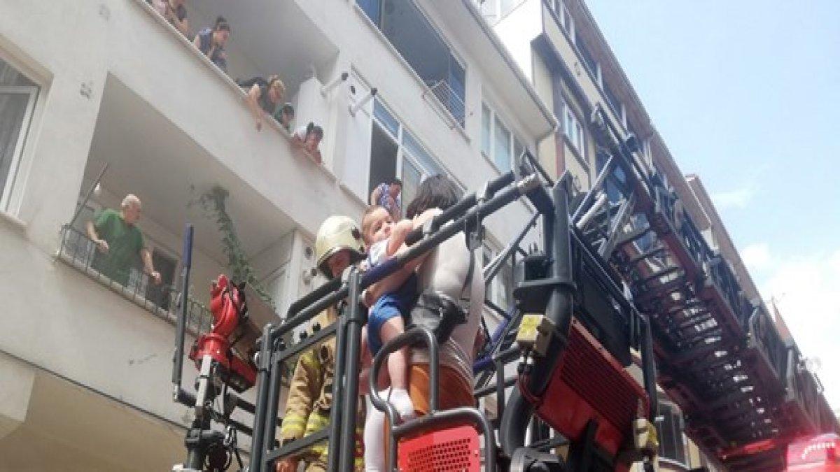 Apartmanda çıkan yangında can pazarı!
