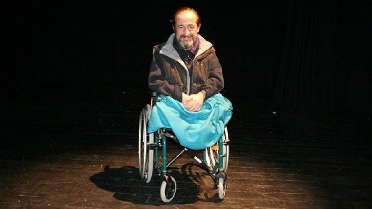 Ünlü tiyatrocu Parkan Özturan yaşamını yitirdi