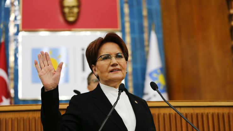 Erdoğan'ın Meral Akşener'e bakanlık teklif ettiği iddialarına yanıt