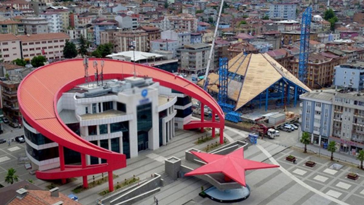 AKP'li belediyede 159 bin TL'lik peşkeş çekildi
