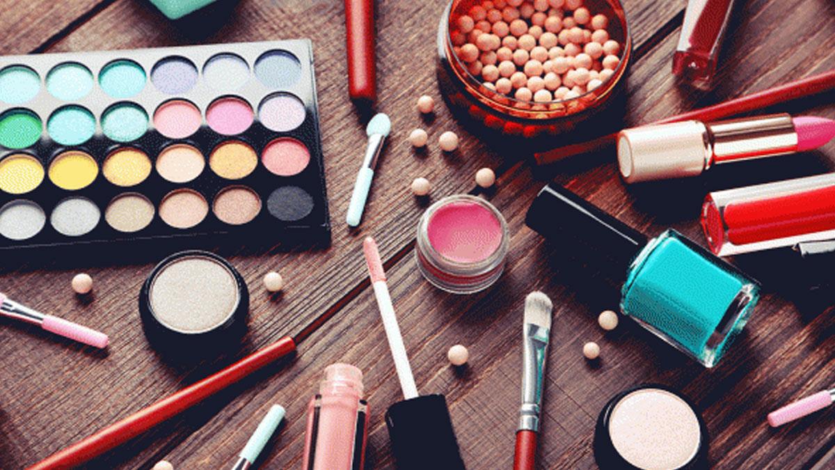 'Kalıcı makyaj ürünlerinden kaçınılmalı'