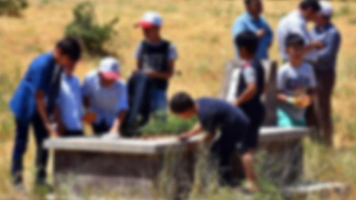 Kuran kursunda çocuklara mezarlık temizlettiler! Mezarlıklar ortak yaşam alanıymış